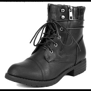 0687 Women's Lace Up Ankle Bootie